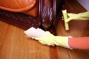sprzątanie mebli